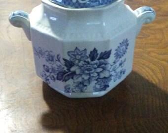 Vintage Kensington Staffordshire Ironstone Balmoral 1801 Sugar bowl