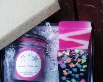 Handmade soap gift basket for mum - gift for mother's day - gift for mum - gift for her - unique present for mum