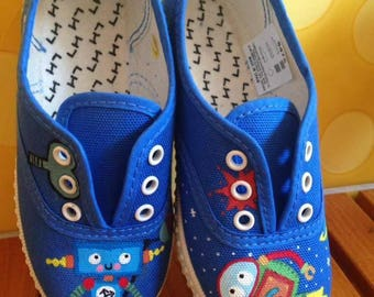 Hand-painted shoes. Original illustrations