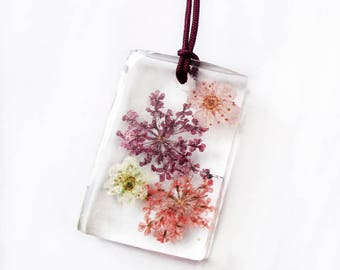 Lili-May rectangle pendant in flowery resin - colored dried flowers nature jewelry