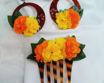 Valentine's Day gift. Earrings and Peinecillo of flamenco acetate in color Carey with yellow and orange flowers, Flamenco earrings.