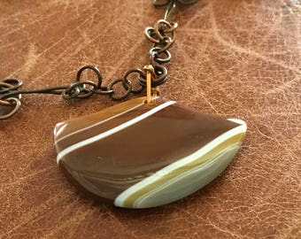 Agate pendant and copper link necklace