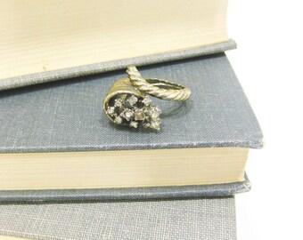 Vintage Gold Tone Rhinestone Cornucopia Dinner Ring