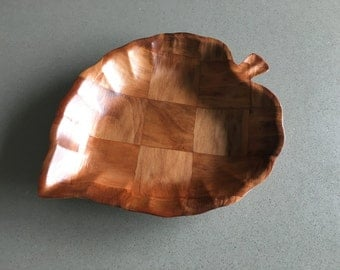 Leaf-Shaped Weave-Wood Style Snack Serving Piece, Bring on the Chips!