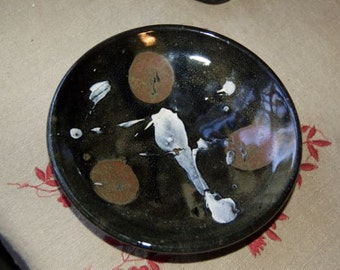Decorative abstract stoneware bowl