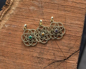 Brass Pendant Flower of Life Stone / Pendentif fleur de Vie et Pierres