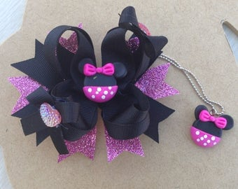 Minnie Mouse Bow and Necklace