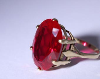 Vintage Victorian-Style Faux Ruby and Gold Ring