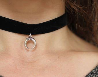 Velvet chain with Crescent