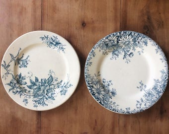 Lot of two Vintage plates, Set of 2 Vintage flat