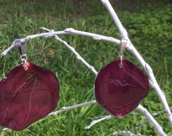 Rose petals in resin