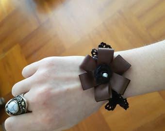 Elegant strechy wristcuff