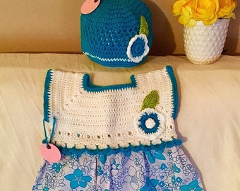 Blue and dhite girl's summer spring and dress. Size 9-18
