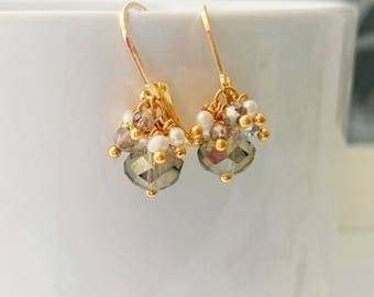 Cluster crystal earrings with natural pearls