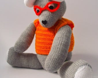 Knitted Mouse with spectacles
