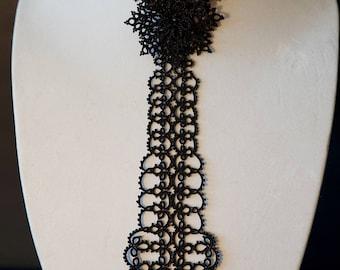 Gorgeous Tie Choker Necklace. Elegant TATTING technique.