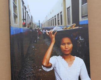 Portrait of a street vendor at a train station in Myanmar- Gokteik Viaduct