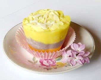 Candle Cupcake, orange candle, organic candle, candle girl, made candle House, candle wax, soy, yellow candle, pretty candle, candle gourmet