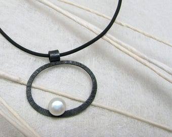 LaLune - small blackened Silverpendant with  pearl