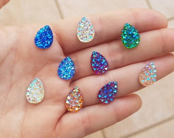 24 PCs iridescent faceted Teardrop stones in different colors!
