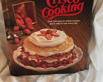 SALE Vintage cookbook - Crisco Cooking 1982