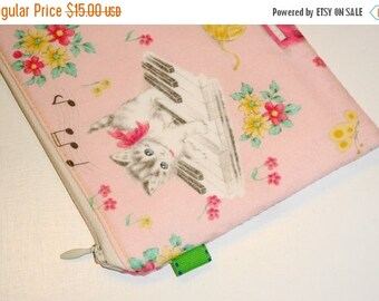 SALE SALE SALE - 20% Off Padded Zippy Pouch Retro Style / Kawaii Clutch Purse /   Kitties & Flowers Cosmetic Case / Bag Organizer-- Pink (Ot