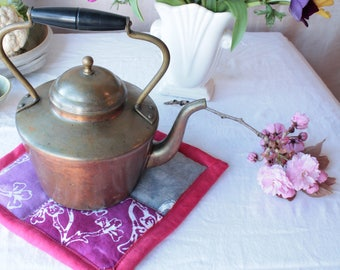 Batik hot pad: pink, gray and red