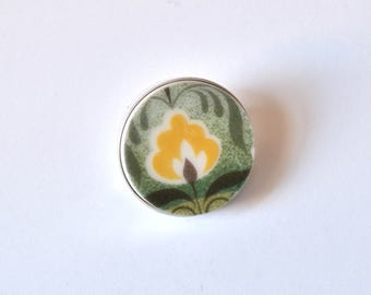 Recycled China Simple Circle Brooch - Green and Yellow - Scarf Pin