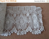 CLEARANCE - Beige scallop lace, 6.5 x 50 inches