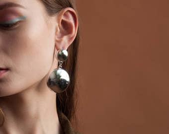 silver circle drop earrings / round geometric earrings / oversized statement earrings / 1550a