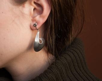 sterling silver sculptural drop earrings / modernist dangle earrings / minimalist earrings / 1504a