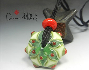SRA Handmade Lampwork Necklace Pendant Glass Bead DONNA MILLARD christmas winter snowflake holiday green xmas red green star