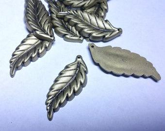 10pc 42x16mm antique bronze acrylic leaf pendants-OFF107