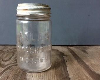 Atlas Strong Shoulder Storage Jar - Pint