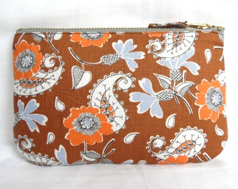 Vintage 1970s Fabric Make Up Bag or Purse, Zip Pouch in a Toffee Brown Paisley Print. Phone or Cash, Ipod and earphones Case.