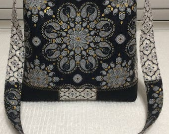 Black / Gold Purse handbag tote