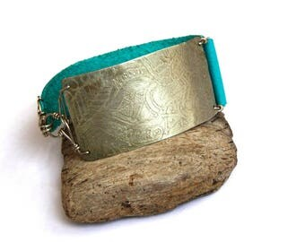 SALE Etched Tribal Silver and Turquoise Leather Bracelet (B1323)