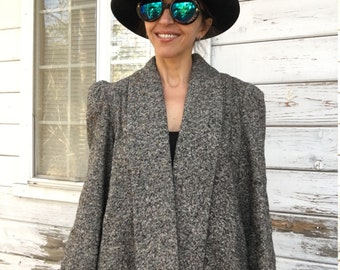Vintage 60s-70s tweed jacket,coat,rare,fancy,fun,custom made,USA made,designer,stylish,elegant,evening,gray,cropped,mod,casual,rare