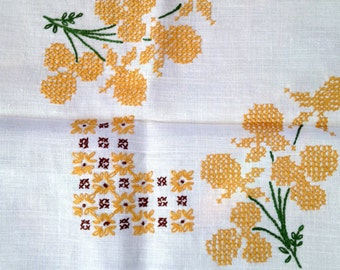 Linen Tablecloth Embroidered Tablecloth 70s *