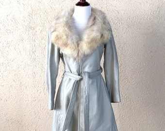 1970s silver gray belted leather jacket with fur collar