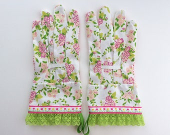 Designer Garden Gloves - As seen in Better Homes and Gardens DIY Magazine and Mother Earth Living Magazine - Flowers and Lace