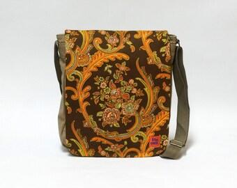 Riva - Canvas Messenger Bag , crossbody bag, shoulder bag, retro bag upcycled with original vintage fabric by EllaOsix