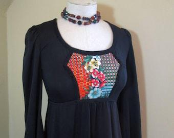 Black knit 70s boho Dress Floral peasant vintage dress Empire style Puffy sleeves Full skirt 70s Boho Peasant Dress S XS
