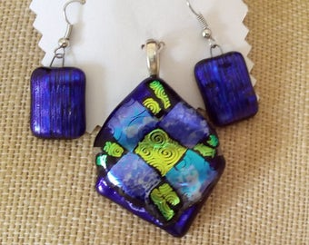 LGL Diamond Shape Quilt pattern Handmade Fused Glass Pendant and Earring Set, Ln620, Collectable, Purple dichroic, Jewelry set, by Lynn SRA