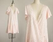 90s Vintage Light Peach Pink Flapper Style Lace Mini Slip Dress / Wrap Dress / Robe / Size Medium