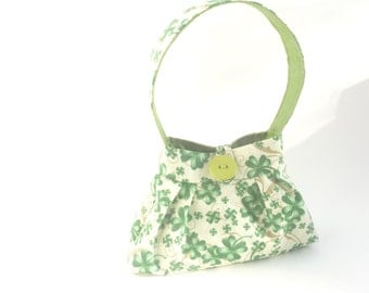 tiny St. Patrick's Day purse. baby girl presents. toddler girl crayon bag. green shamrock cute gifts under 25. twin first birthday purse