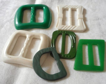 Lot of 6 VINTAGE White & Green Plastic Buckles  B7