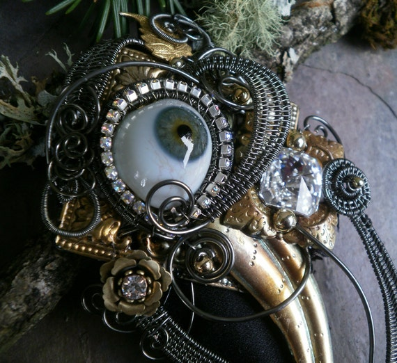 Gothic Steampunk Blue Gray Eye Pin Pendant Augenbroche