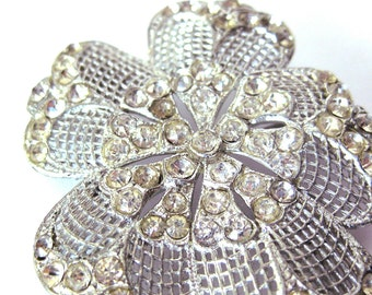 Vintage Silver Flower Brooch Pin with Sparkling Rhinestones / Silver Mesh Flower / Vintage Jewelry