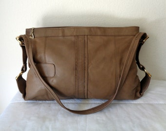 Brio  purse soft luxury thick , buttery soft leather hobo , shoulder bag , satchel purse handbag in olive green  vintage  pristine condition